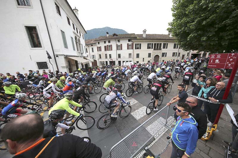 Partenza Sportful Dolomiti Race 11