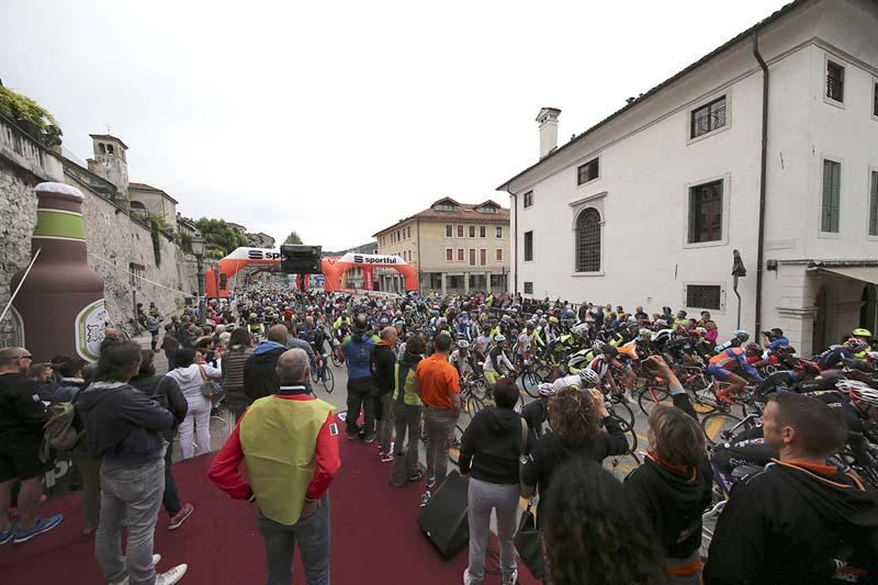 Partenza Sportful Dolomiti Race 13