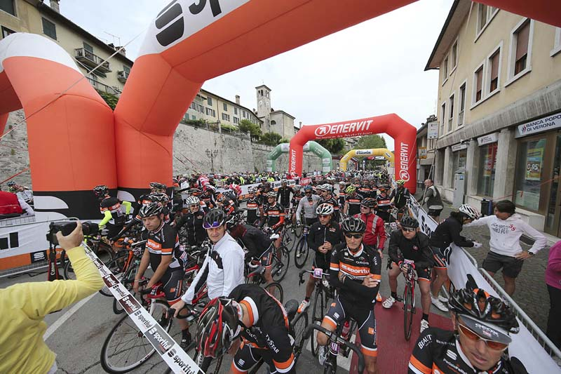Partenza Sportful Dolomiti Race 3