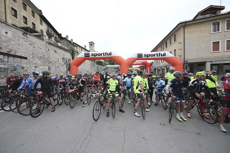 Partenza Sportful Dolomiti Race 4