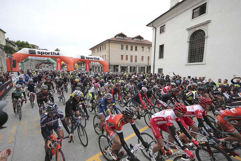 Partenza Sportful Dolomiti Race 8