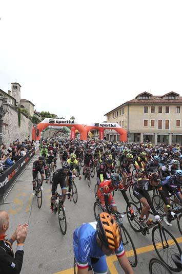 Partenza Sportful Dolomiti Race 9