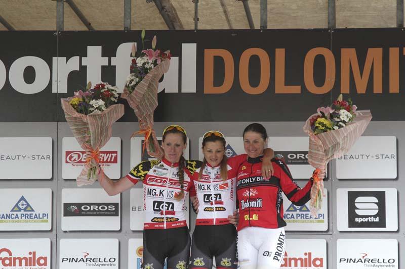 Podio donne Sportful Dolomiti Race 4